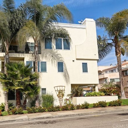Rent this 3 bed townhouse on 333 11th Street in Hermosa Beach, CA 90254