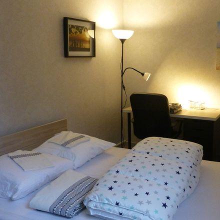 Rent this 3 bed room on 1 Rue de Lattre de Tassigny in 37300 Joué-lès-Tours, France
