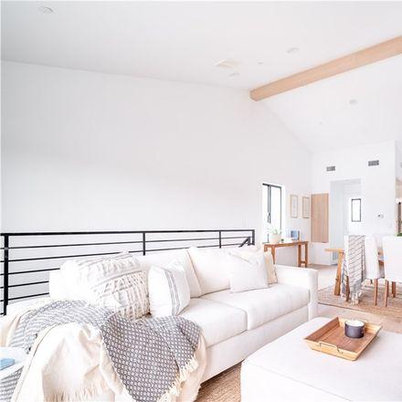 Rent this 3 bed house on Los Angeles