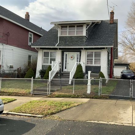 Rent this 3 bed house on 6th Ave in Watervliet, NY