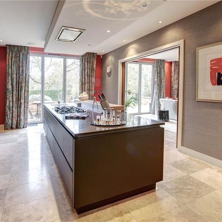 Rent this 7 bed house on Colwyn House in 22 The Bishops Avenue, London N2 0AP