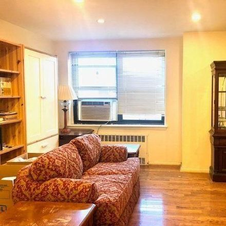 Rent this 3 bed condo on 140-08 28th Road in New York, NY 11354