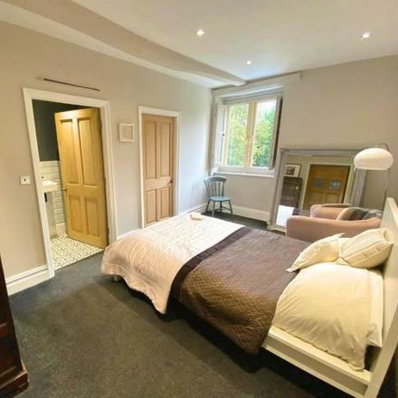 Rent this 4 bed house on Kingfisher car park in Queensway, Poynton SK12 1JG