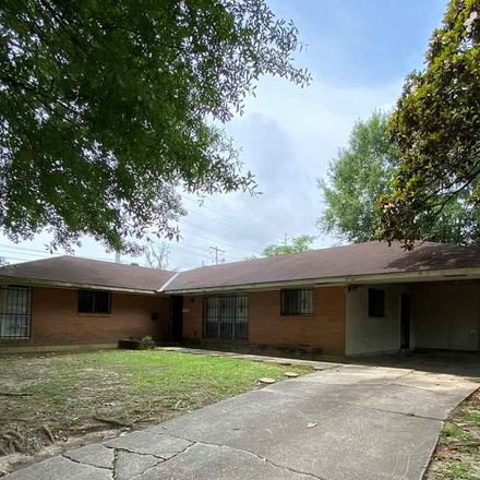 Rent this 3 bed house on 2540 Vermont Street in Baton Rouge, LA 70802