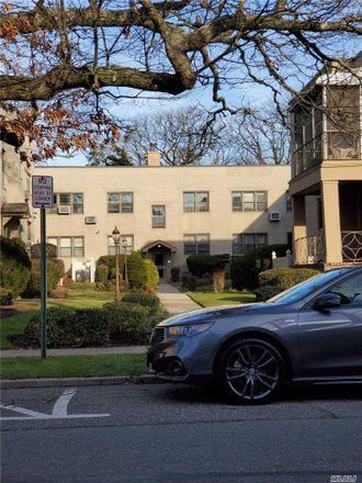 Rent this 2 bed condo on 292 Cedarhurst Avenue in Hempstead, NY 11516