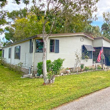 Rent this 2 bed apartment on W Whopping Crane Path in Homosassa, FL