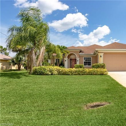 Rent this 3 bed house on 3815 36th Street Southwest in Golf View Manor, FL 33976