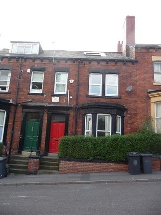 Rent this 4 bed apartment on Hanover Square in Leeds LS3 1BQ, United Kingdom