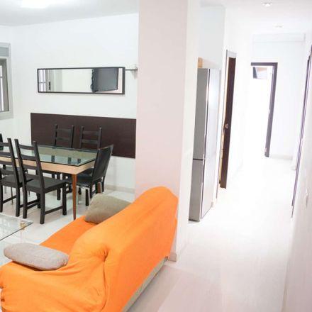Rent this 6 bed room on Carrer de Gorgos in 46021 València, Valencia