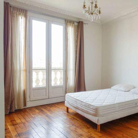 Rent this 3 bed room on Kawasaki La Défense in 81 Boulevard de Verdun, 92400 Courbevoie