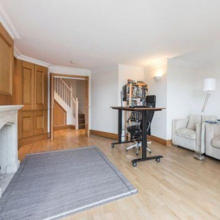 Rent this 3 bed apartment on Riviera Court in 122 Wapping High Street, London E1W 1UJ