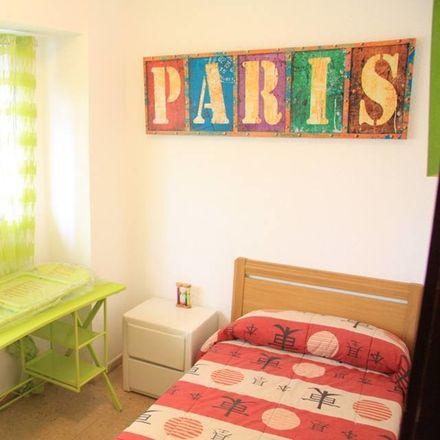 Rent this 4 bed room on Carrer del Pintor Vilar in 4, 46010 València