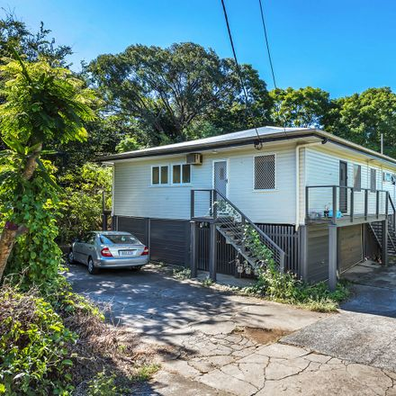 Rent this 1 bed apartment on Unit 2/15A Ashgrove Ave