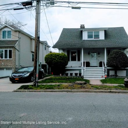 Rent this 3 bed house on 281 Greencroft Avenue in New York, NY 10308