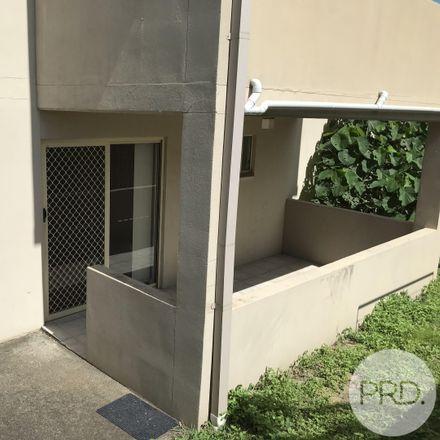 Rent this 2 bed apartment on 4/4 Bonney Avenue