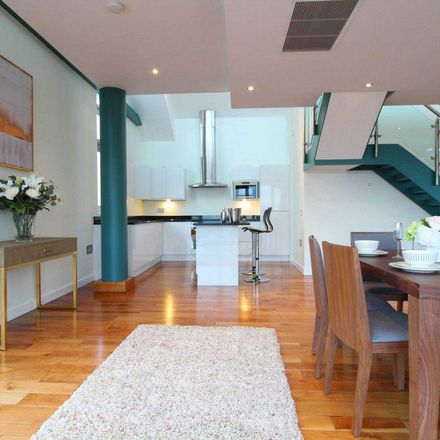 Rent this 3 bed apartment on Clowes Street in Salford, M3 5BZ