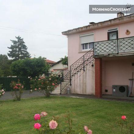 Rent this 2 bed apartment on 20 Rue du Stade in 31270 Villeneuve-Tolosane, France