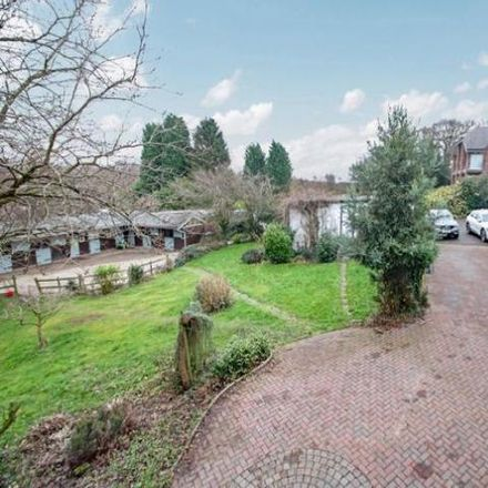 Rent this 4 bed house on Maypole Lane in The Common, Baddesley Ensor CV9 2BT
