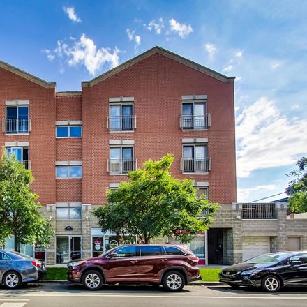 Rent this 3 bed condo on 1411 West Grace Street in Chicago, IL 60613