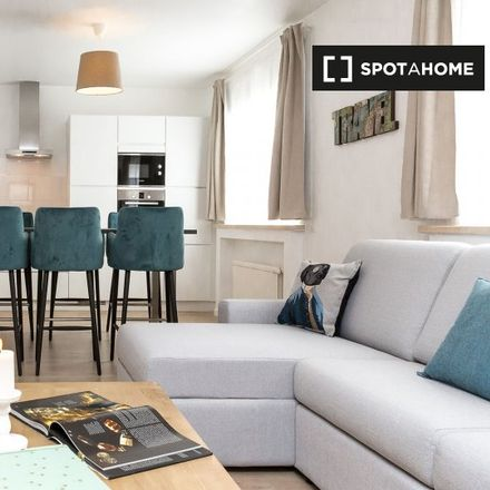 Rent this 2 bed apartment on Avenue Michel-Ange - Michel Angelolaan 46 in 1000 Ville de Bruxelles - Stad Brussel, Belgium