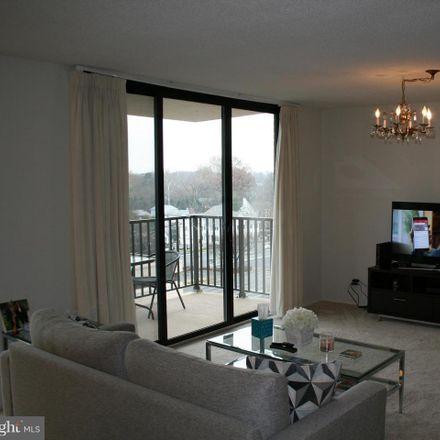 Rent this 2 bed condo on 6800 Fleetwood Road in McLean, VA 22101
