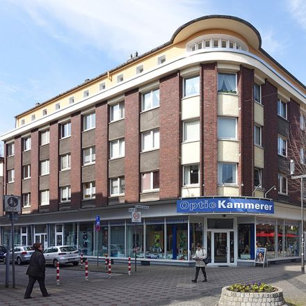 Rent this 3 bed apartment on Georgstraße 6 in 47226 Duisburg, Germany