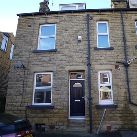 Rent this 2 bed house on Sticky Fingers Pudding Company in Mill Lane, Leeds LS13 3HE