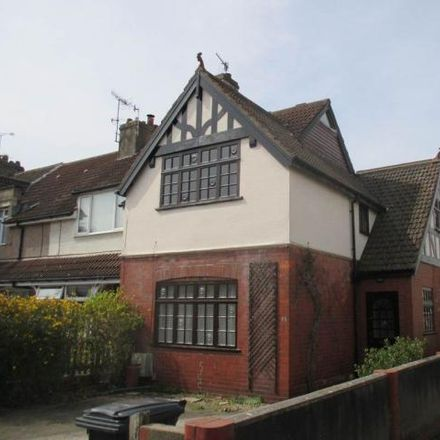 Rent this 3 bed house on cbes in Green Lane, Bristol BS11 9