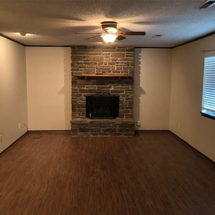 Rent this 3 bed house on 3124 Navajo Court in Fayetteville, AR 72701