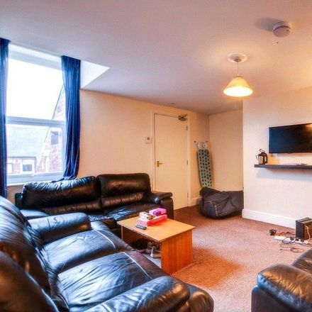 Rent this 5 bed apartment on Helmsley Road in Newcastle upon Tyne NE2 1RE, United Kingdom