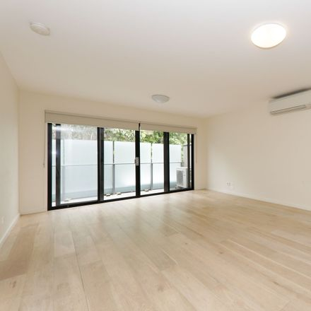 Rent this 2 bed apartment on 102/2-4  Kent Road
