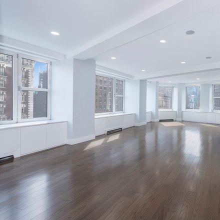 Rent this 3 bed condo on Broadway in New York, NY