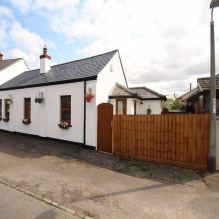 Rent this 2 bed house on The Royal Oak in 33 High Street, Roxton