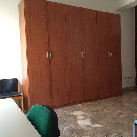 Rent this 3 bed room on Via Arcangelo Corelli in 18, 47121 Forlì FC