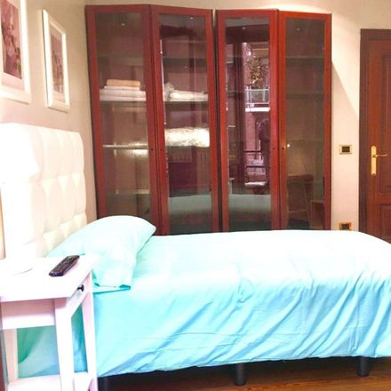 Rent this 6 bed room on Iparraguirre Kalea