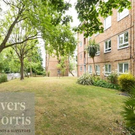 Rent this 5 bed apartment on Abingdon Close in London NW1 9UR, United Kingdom