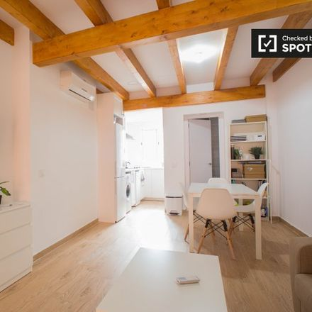 Rent this 1 bed apartment on Carrer de Nicolau de Montsoriu in 46000 Valencia, Spain