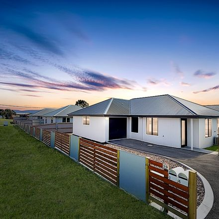Rent this 3 bed house on 3/39 Adelaide Street
