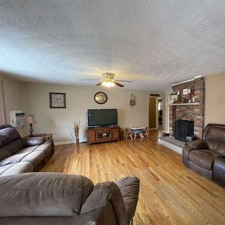 Rent this 3 bed house on 42 4th Avenue in Rome, OH 45669