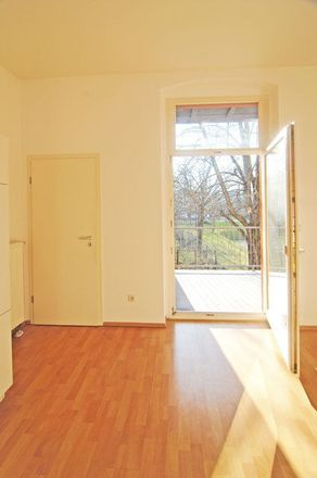 Rent this 1 bed apartment on Crimmitschauer Straße 15 in 08056 Zwickau, Germany