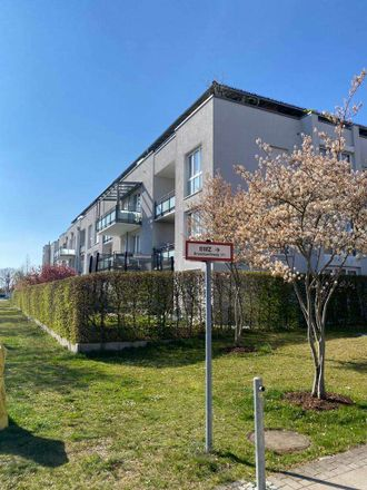 Rent this 2 bed apartment on Brunnbachlweg 17a in 85774 Unterföhring, Germany