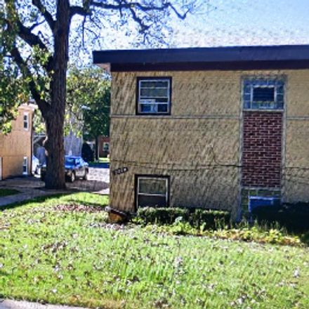 Rent this 7 bed duplex on 16th Ave in Broadview, IL