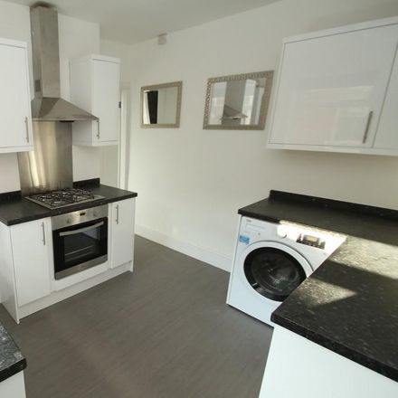 Rent this 2 bed apartment on 110 Knighton Road in Leicester LE2 3TS, United Kingdom