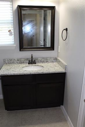 Rent this 3 bed duplex on West Lake Avenue in Sherman, TX 75090
