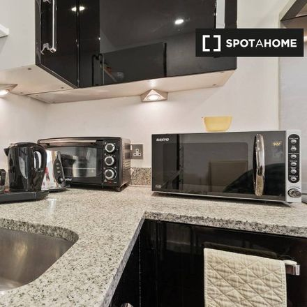Rent this 3 bed apartment on Barge Walk in London SE10 0GH, United Kingdom