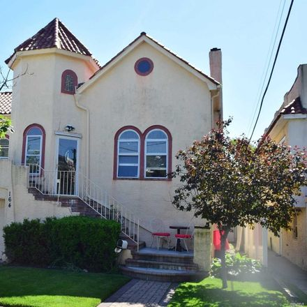Rent this 3 bed apartment on Lincoln Blvd in Long Beach, NY