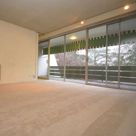 Rent this 2 bed apartment on 9/8 Giles Street