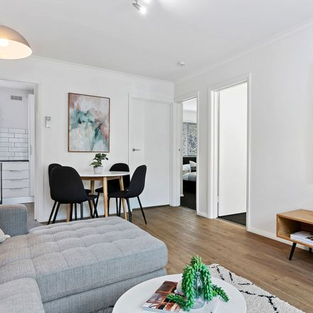 Rent this 2 bed apartment on 8/23 Hallam Street