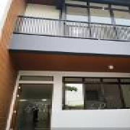 Rent this 4 bed townhouse on Mahogany in Las Piñas, 1750