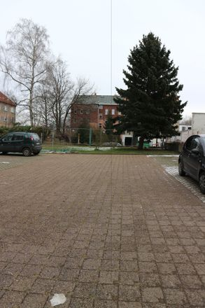 Rent this 3 bed apartment on Jahnstraße 51 in 09126 Chemnitz, Germany